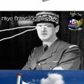 Charles de Gaulle es un buen militar :)