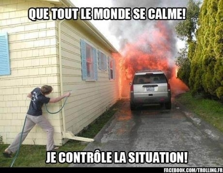 ATTENTION C'EST UN PROFESSIONNEL - meme