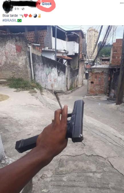 BURRÃO! O CARA POSTA FOTO DA ARMA DE CRIME DELE NUM GRUPO QUE CONTEM 80 PORCENTO DOS SEGUIDORES POLICIAIS, E TEM BASTANTE POLICIAL BRASILEIRO! - meme