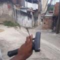 BURRÃO! O CARA POSTA FOTO DA ARMA DE CRIME DELE NUM GRUPO QUE CONTEM 80 PORCENTO DOS SEGUIDORES POLICIAIS, E TEM BASTANTE POLICIAL BRASILEIRO!