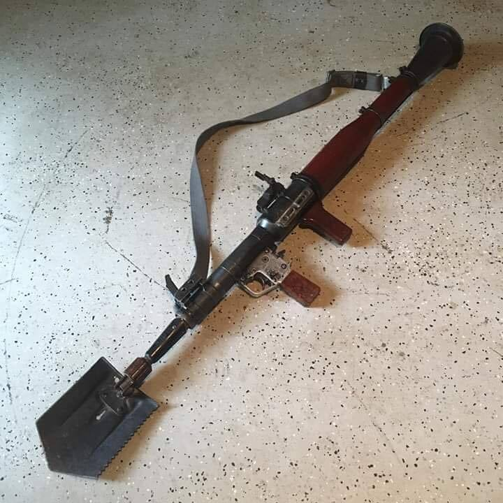 Mejora tu arma de puta madre - meme