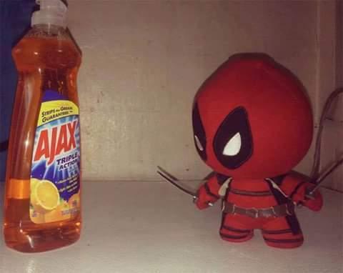 Deadpool avec peu de budget xD - meme