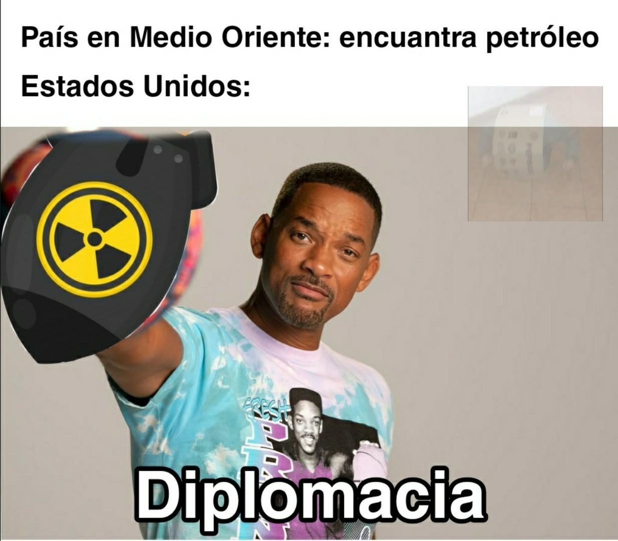 Huele a diplomacia - meme