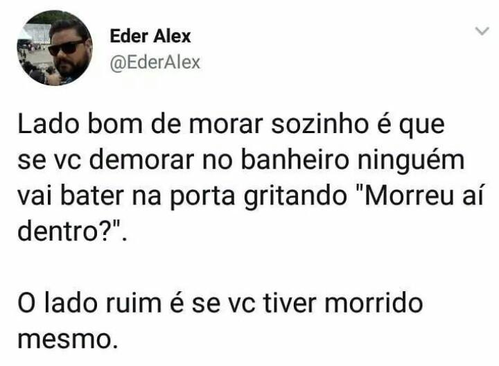 O TÍTULO TA NO BANHEIRO - meme