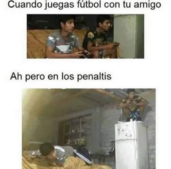 jugando fifa :v - meme