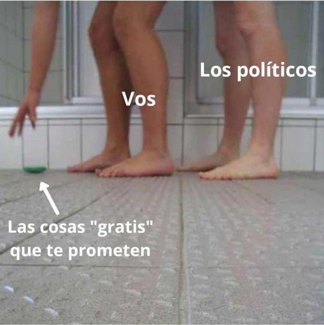 Así es la política - meme