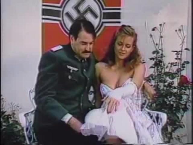 rara fotografia do estilo de vida das pessoas na alemnha nazista-1938-colorizado - meme