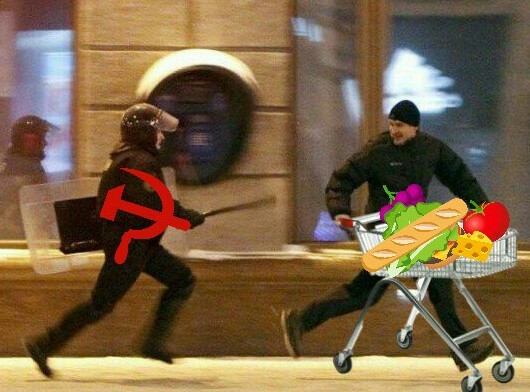 Todo mundo sabe que comida é proibida em um regime socialista - meme