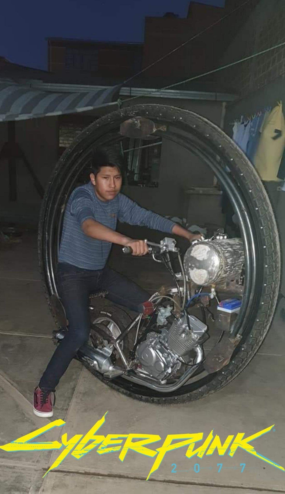 No habia visto una moto asi , mas que en el gta SA - meme