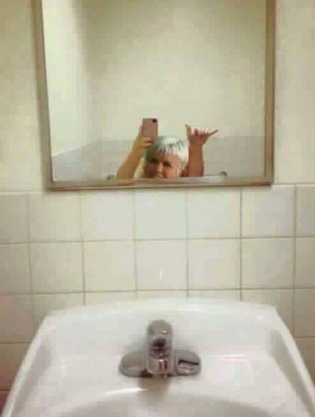 selfiiiie - meme