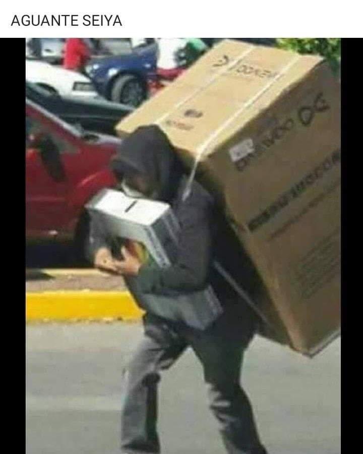 Bueno en Chile tenemos a los caballeros del robo jajaja, ahí que alegrarse de alguna manera - meme