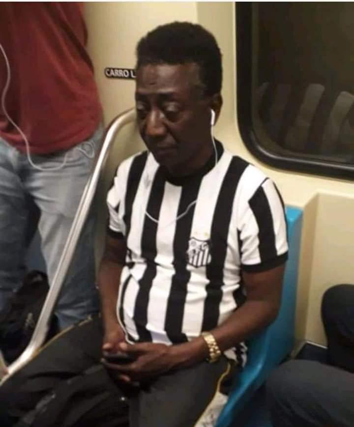 Encontrei meu ídolo cafu no metro hoje cedo - meme