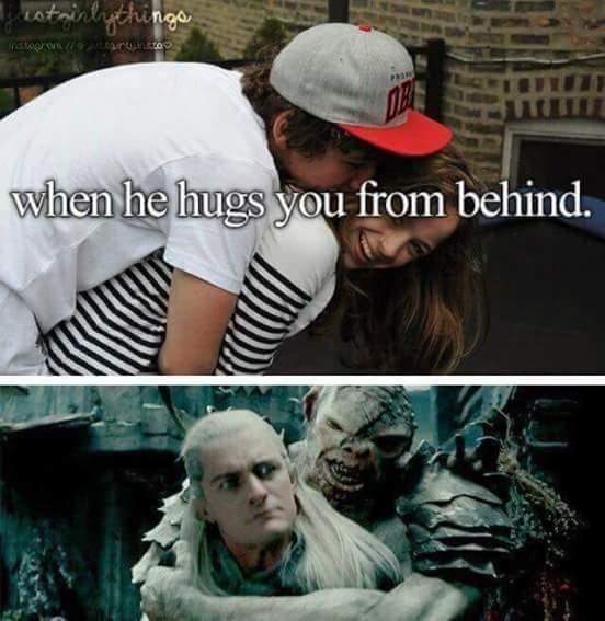 Quand ses câlins viennent de derrière - meme
