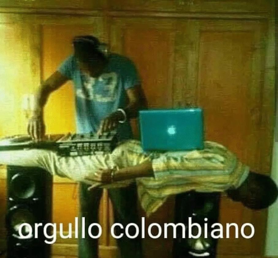 Orgullo Colombiano papá  - meme