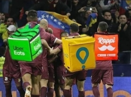 Los futbolistas venecos tienen que trabajar como delivery para pagar sus gastos - meme