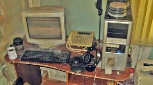 i rate this gaming setup 7.3 out of 10 - meme