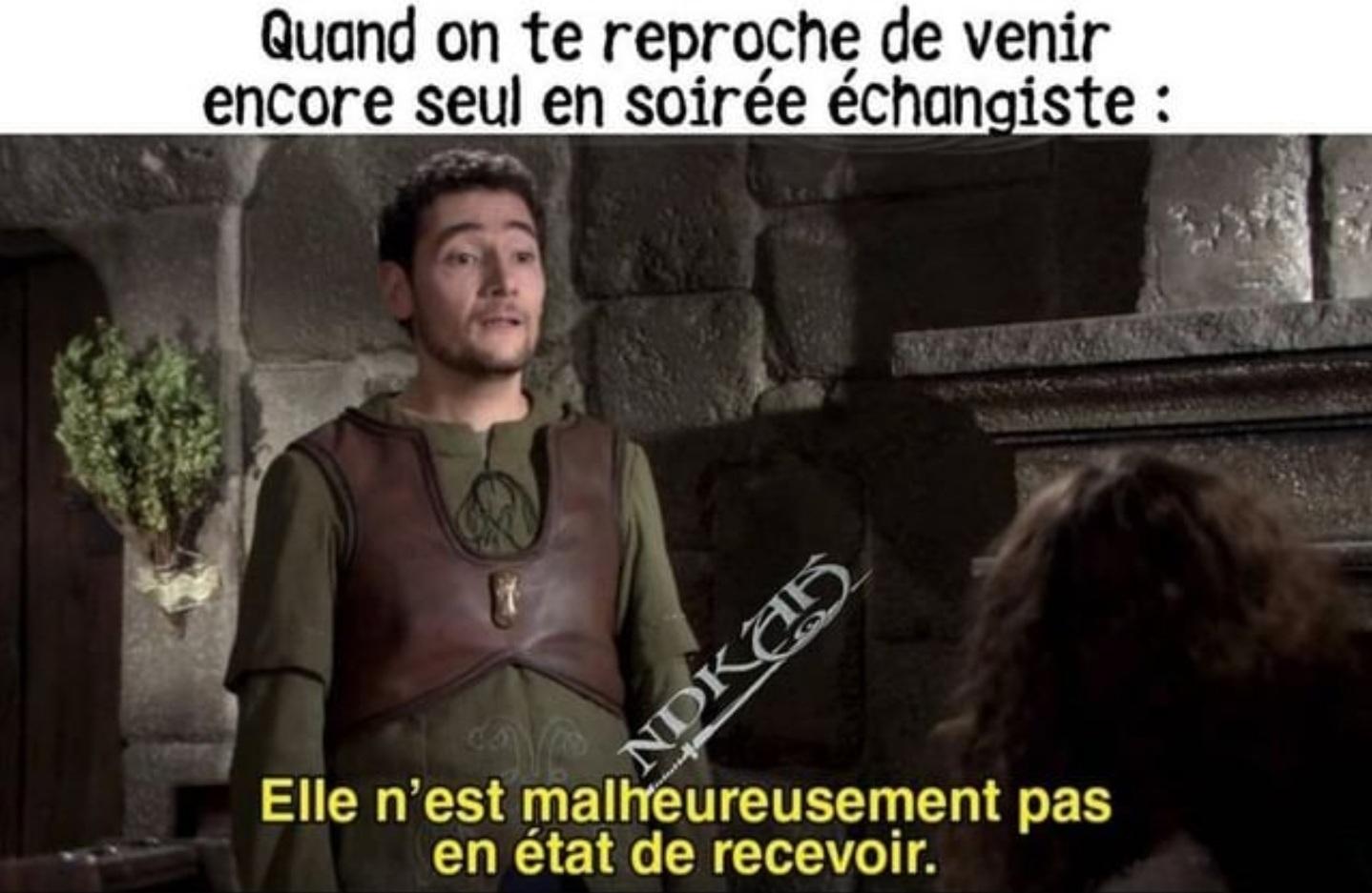 """""""Complète était l'auberge, revient petit oiseau…"""" - meme"""