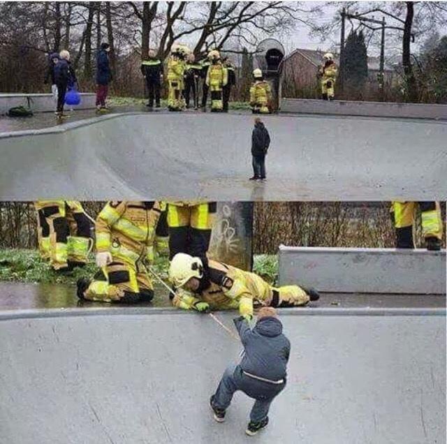 como desperdiciar el tiempo de los bomberos - meme