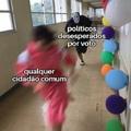 Saia daqui político
