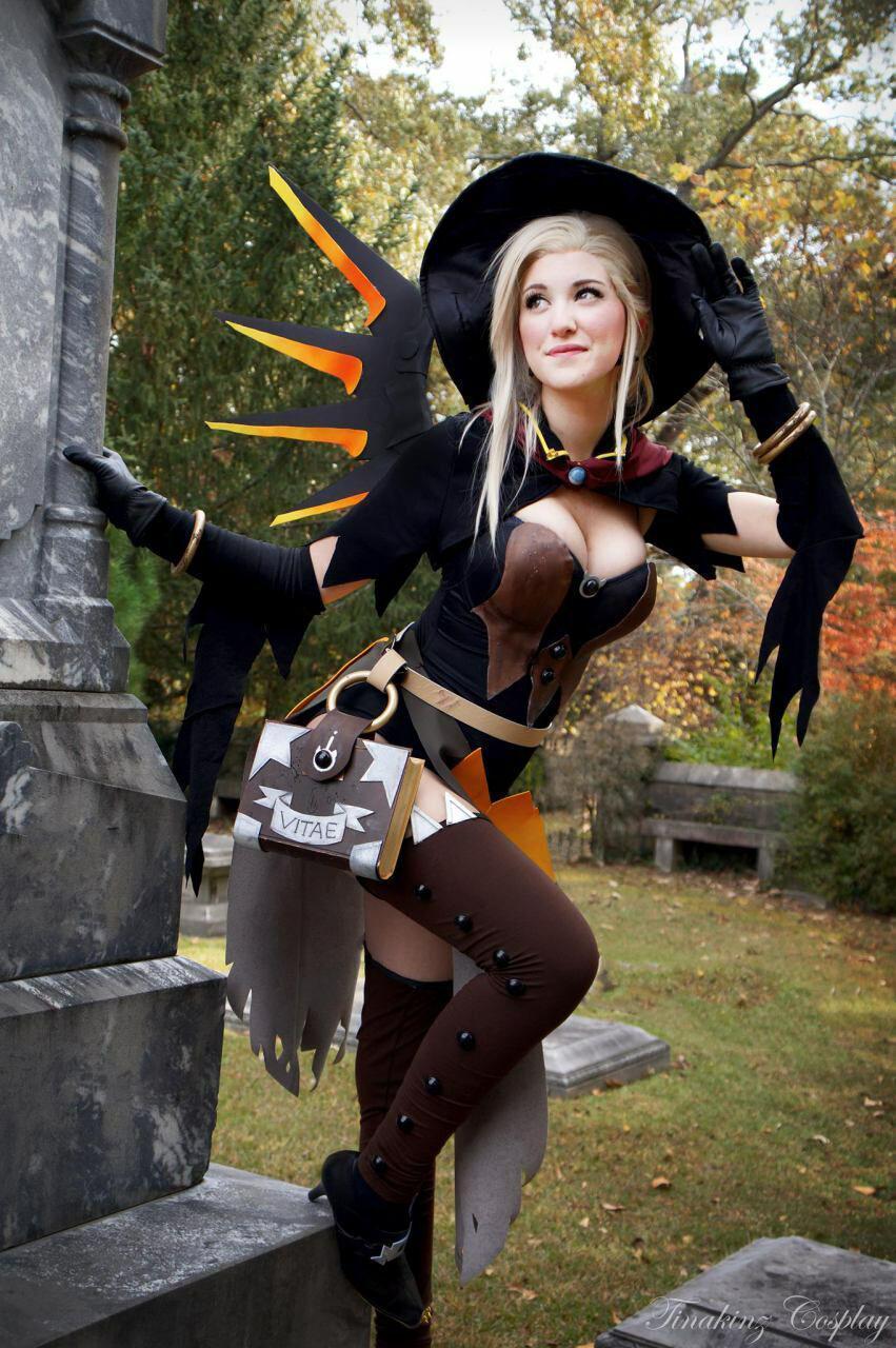 Deez Mercy Boobs and halloween theme gotta pass moderation ! - meme