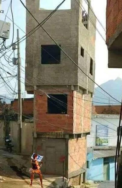 Isso que é construção - meme