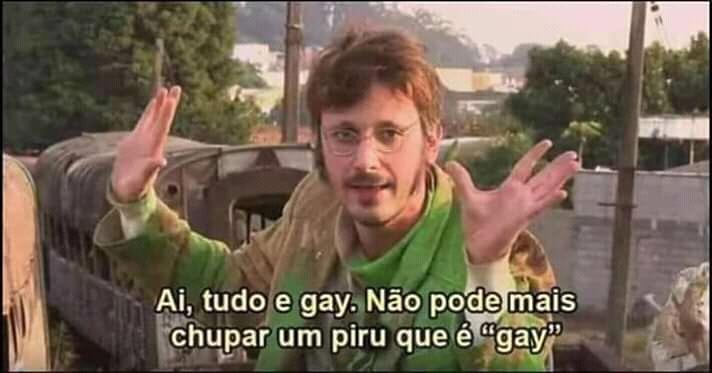 Hétero pode nem mais chupar um pau que já é gay - meme