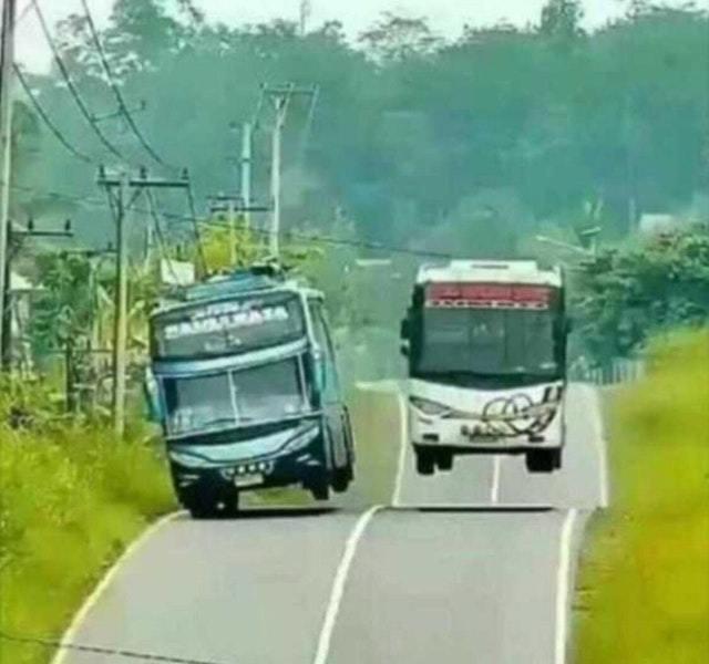 Fast buses - meme