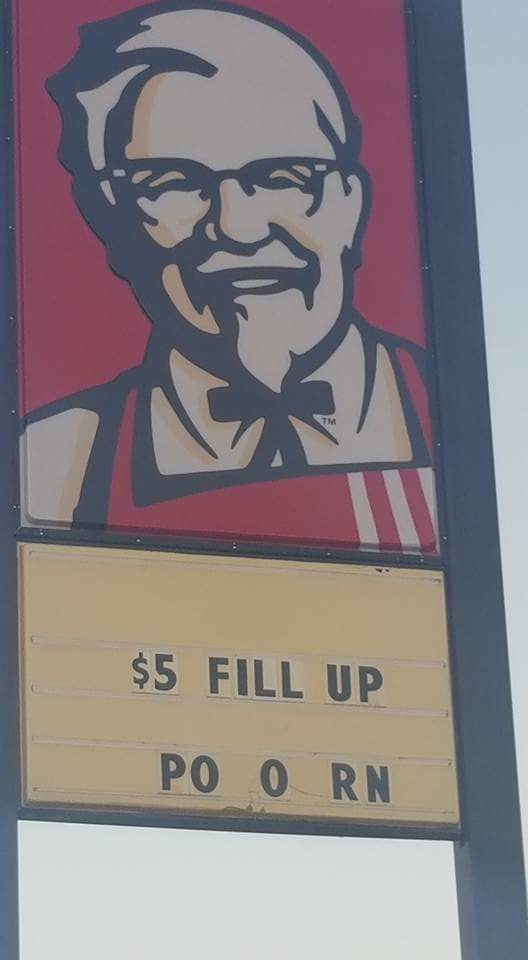 The colonel doesn't give a fucc - meme