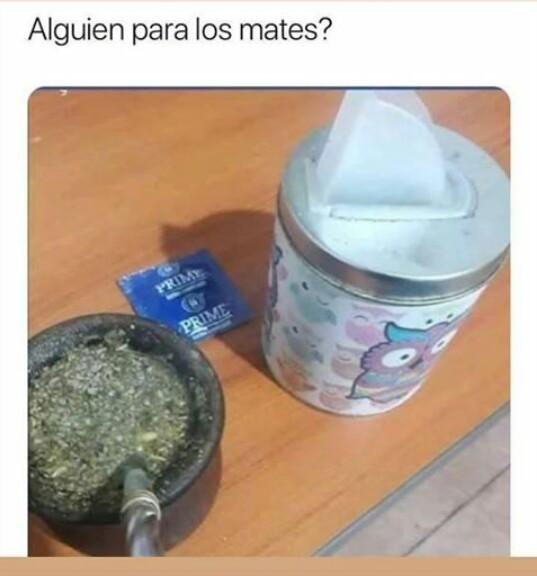 Alguien? - meme