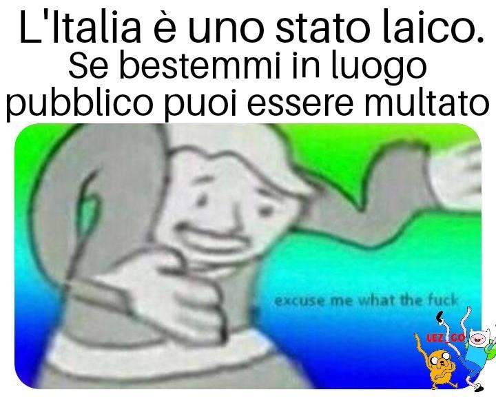 Laico=che non ha una religione ufficiale - meme