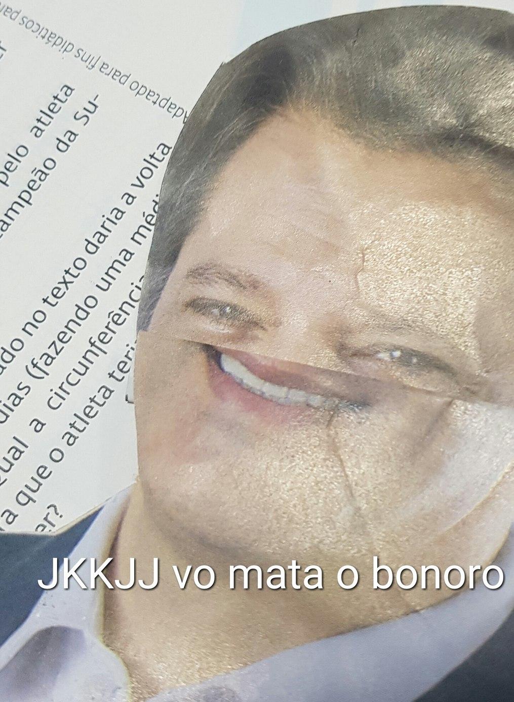 Andrade assa sino - meme