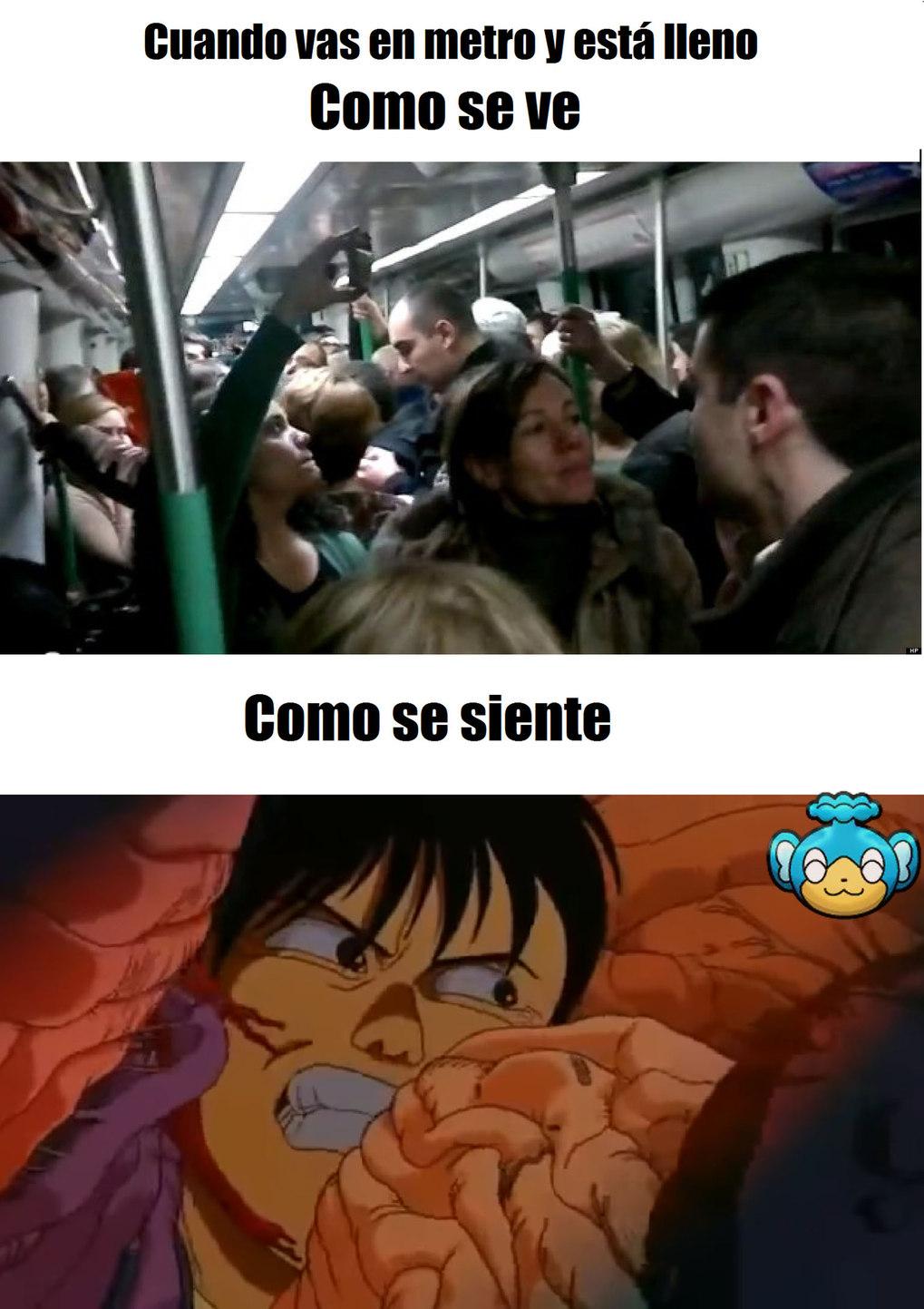 Metro lleno - meme