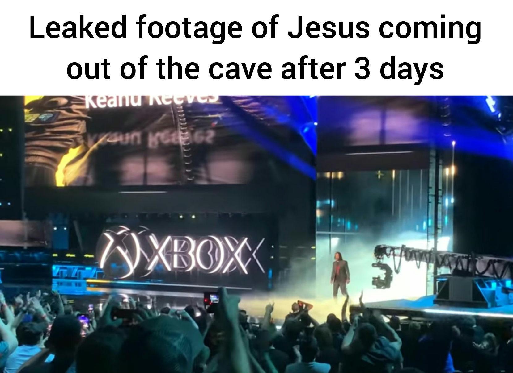 Keanu Reeves == Jesus - meme