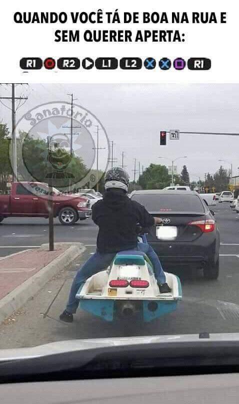 Pq os carros são como as lanchas, e as motos... - meme