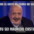 Maurizio Costanzo vs vampiri