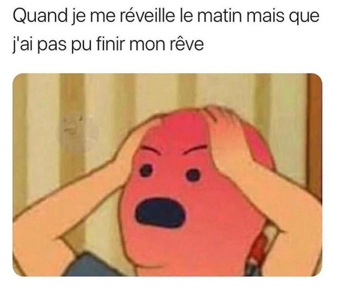 >-< - meme
