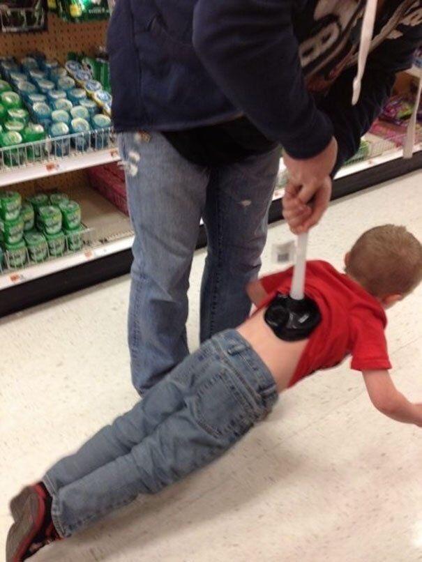 plutôt pratique pour amener ton fils dehors - meme