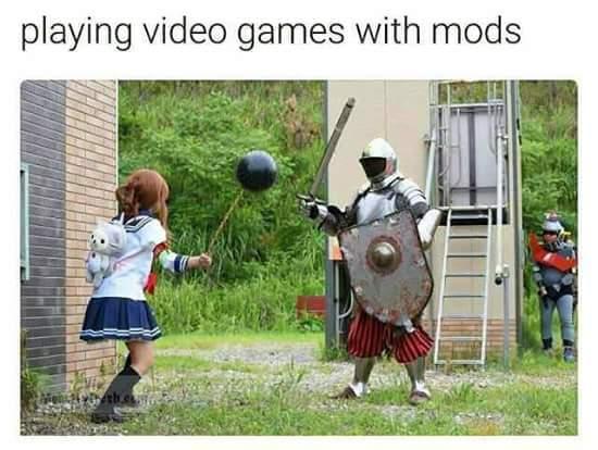 Jugando Videojuegos con Mods - meme