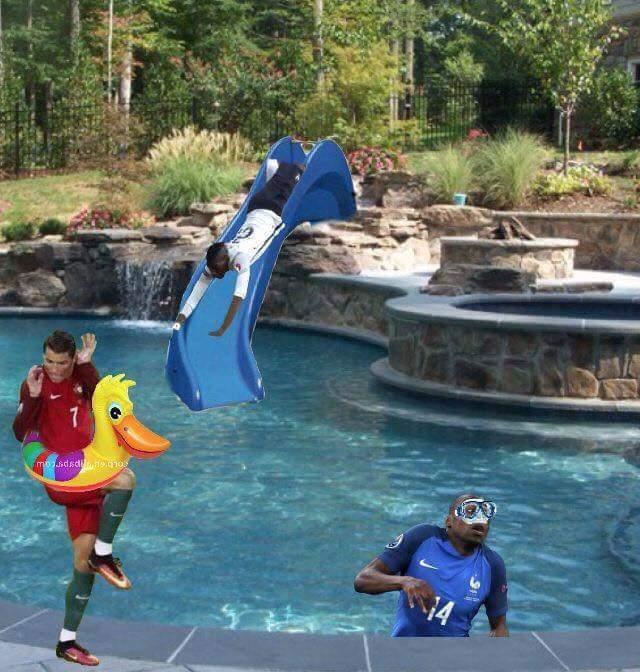 À la piscine - meme