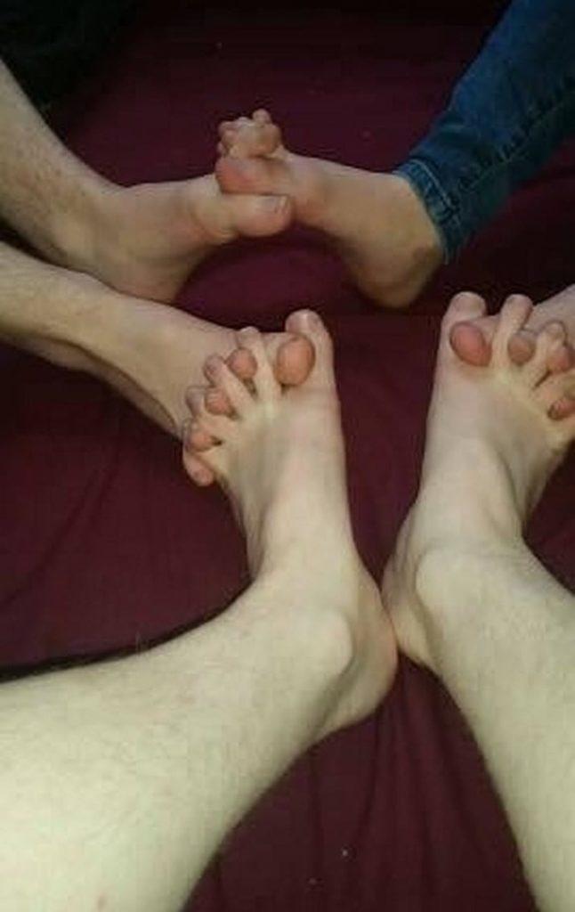 Toes for August - meme