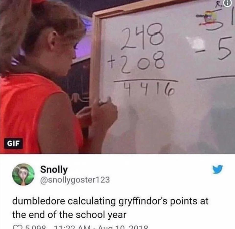 E mesmo assim Grifinória ganhou o Carnaval de hoggwarts - meme