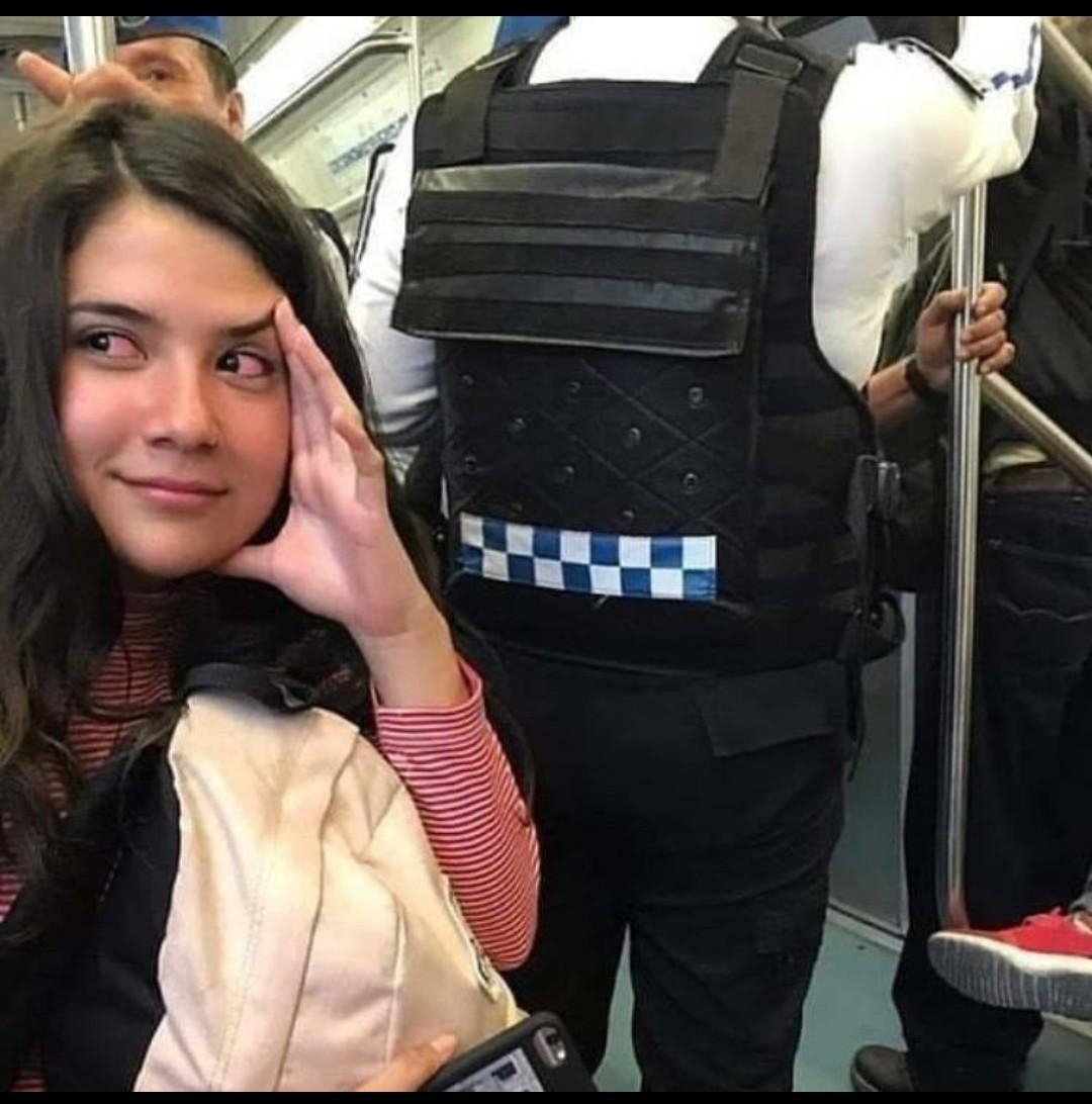 Elle est allergique au métro Monsieur l'agent - meme