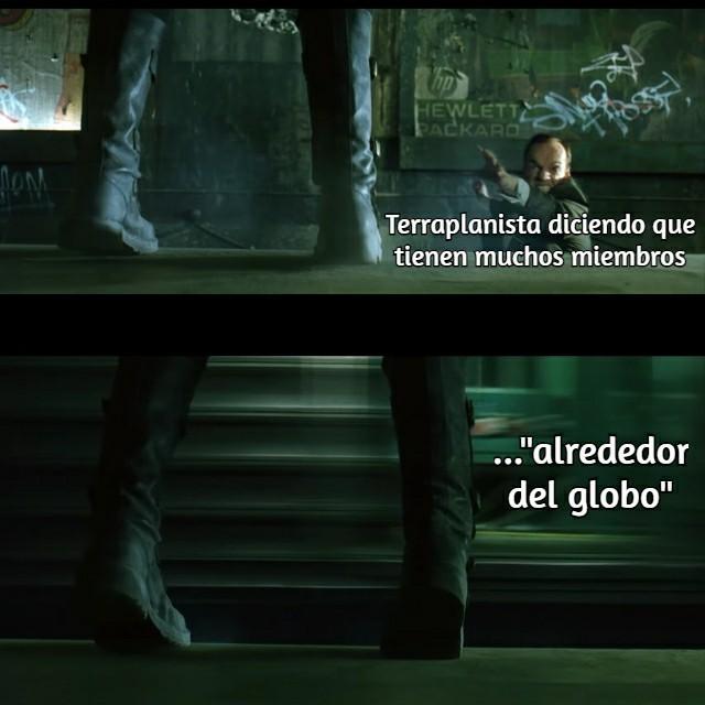 Matrix es mi trilogía favorita :fuckyeah: - meme