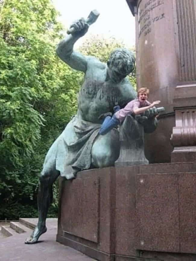 And then the statues started to fight back - meme