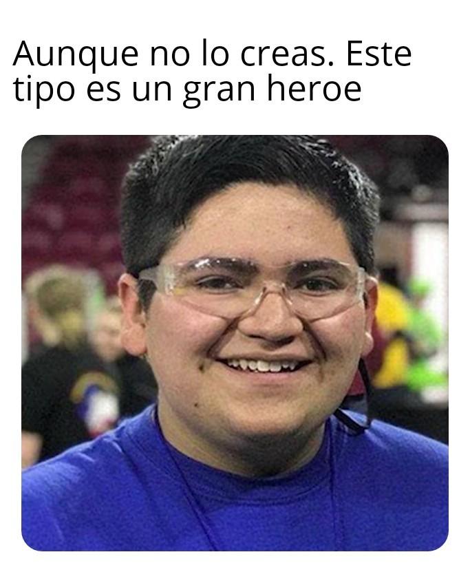 Heroe del año - meme