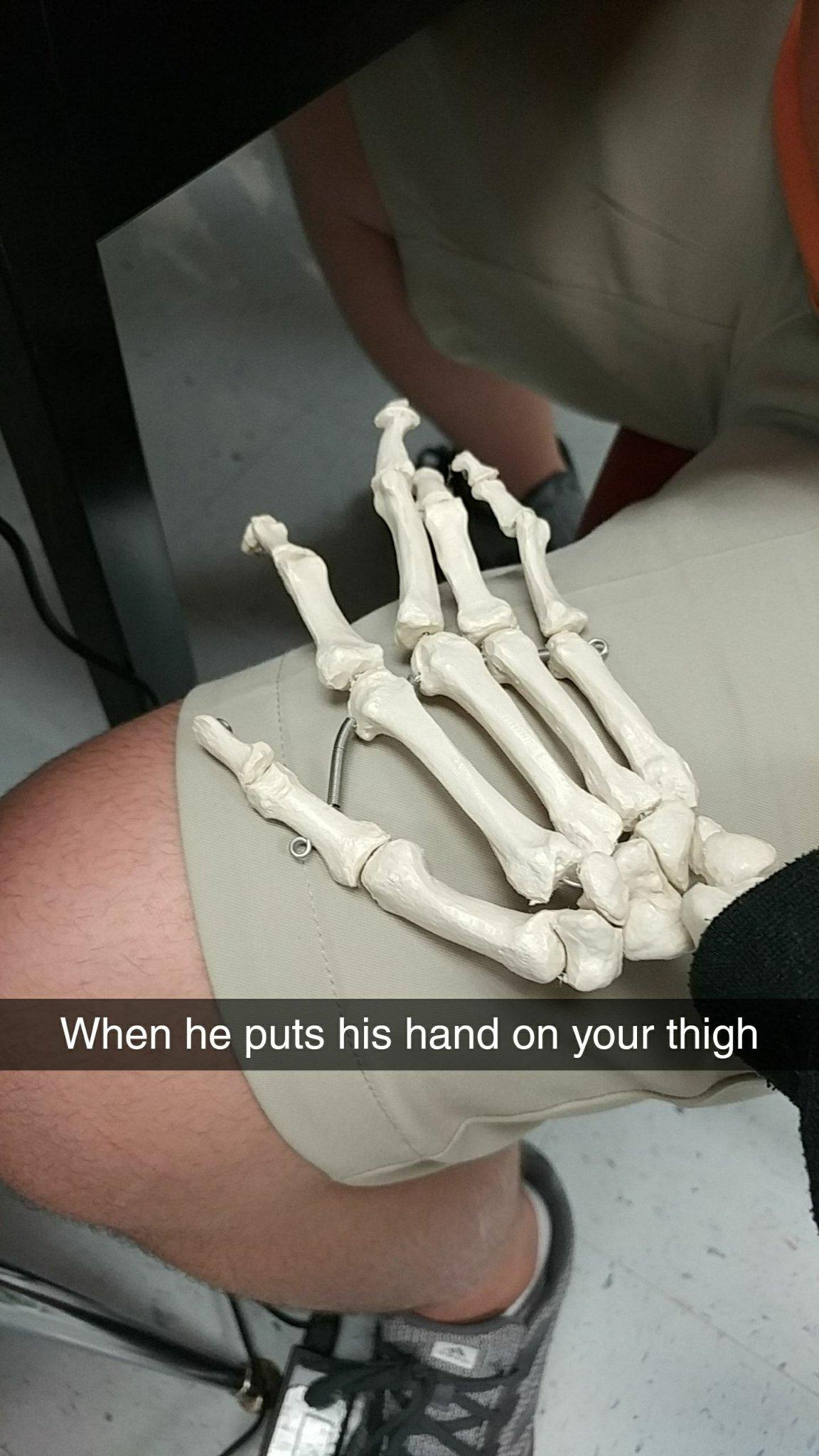 It is spooky time my fellow skeleton brethren - meme