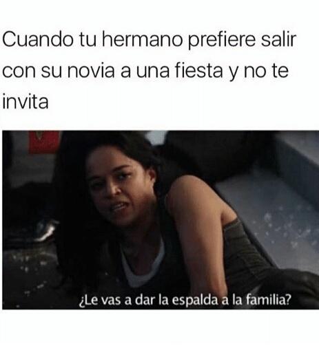 La Familia es lo primero - meme
