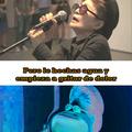 Yoko ono canta como si tuviera una enfermedad mental