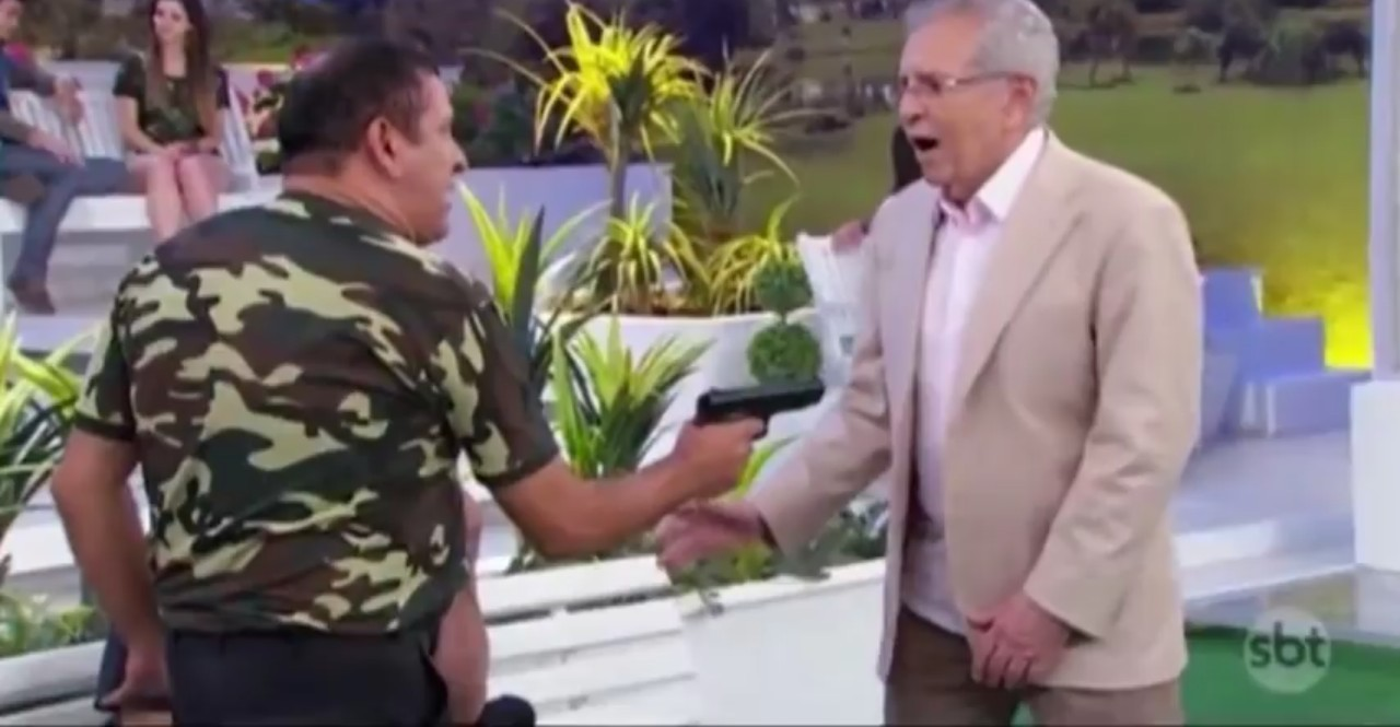 Carlos alberto is dead - meme