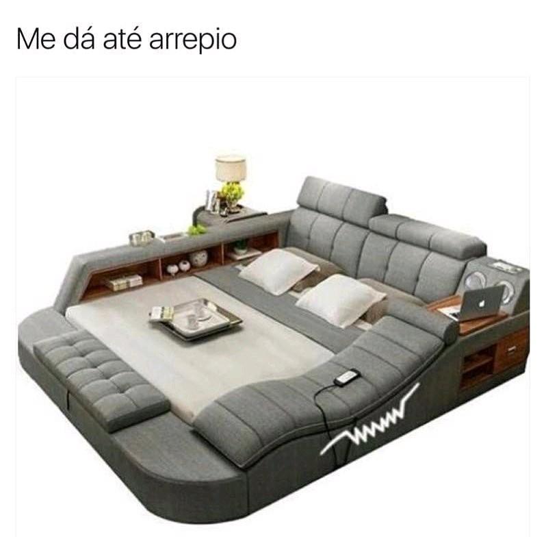 Com aquela cama eu não levanto mais :yaoming: - meme